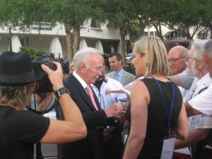 Christopher Plummer signs autographs outside the Sarasota Opera House before the Sarasota Film Festival's Filmmaker Tribute. STAFF PHOTO/JAY HANDELMAN
