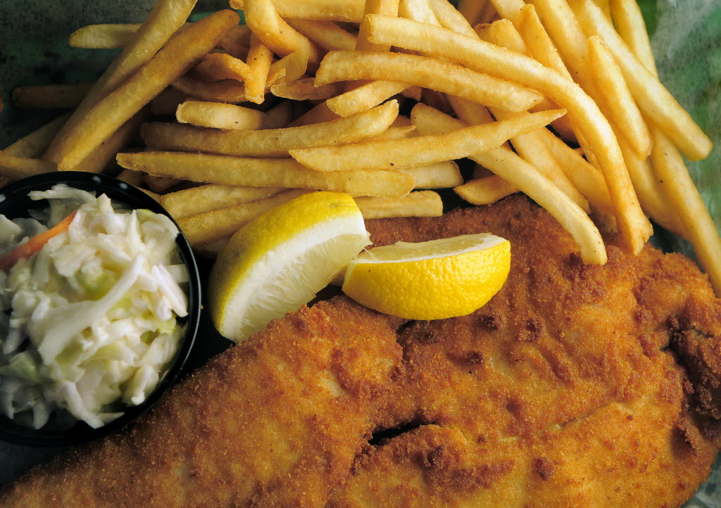 Fish &amp; chips is served at Lynches Pub &amp; Grub. (Sarasota Herald-Tribune photo by Dan Wagner)