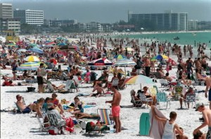 siesta beach crowd